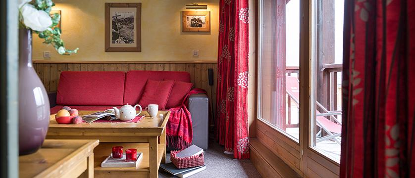 france_espace-killy-ski-area_tignes_village-montana-apartments_living_room.jpg